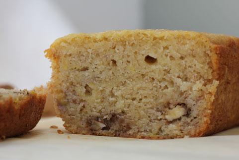 photo d'un cake à la banane et aux noix