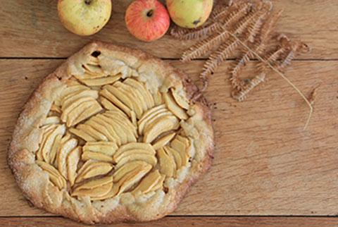 recette d'automne de tarte aux pommes très facile réalisée sans moule